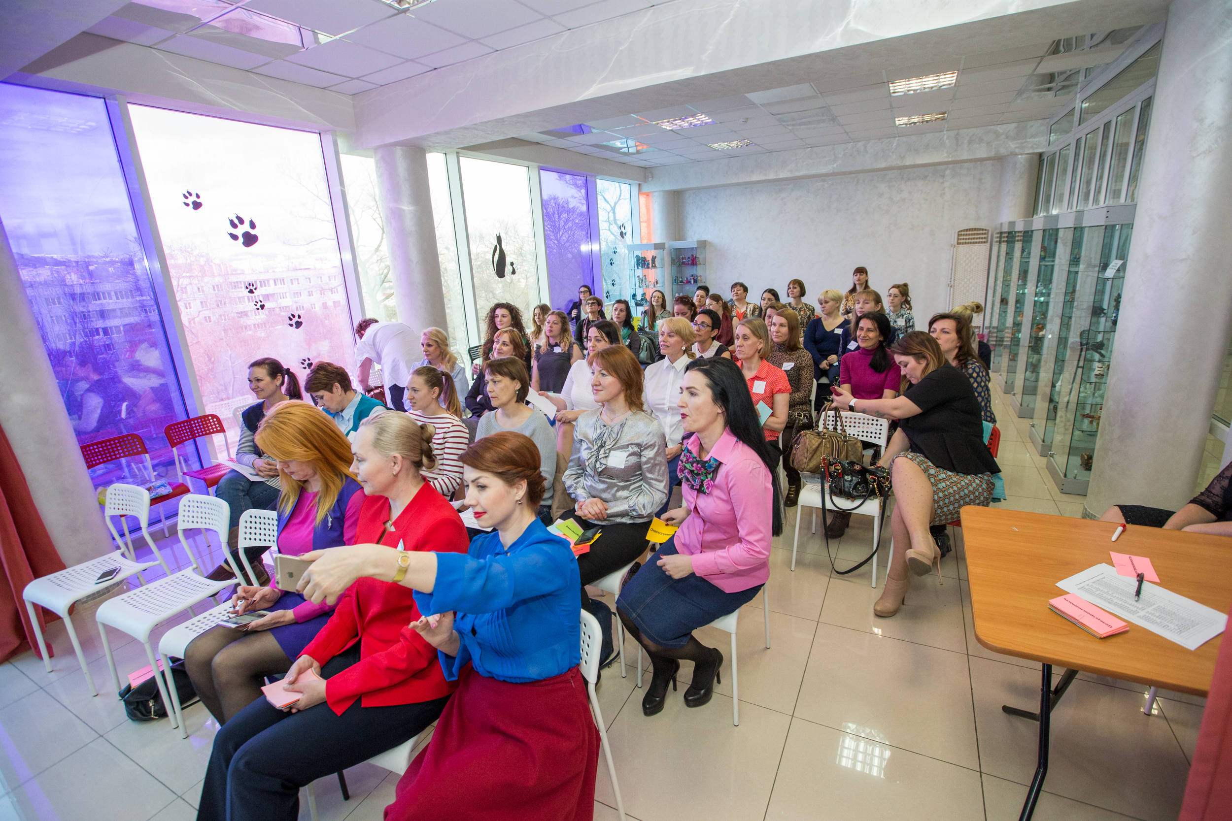 27 апреля на площадке ДЦ «Чайка» прошел День открытых дверей Комитета по развитию женского предпринимательства ПКО «ОПОРА РОССИИ»