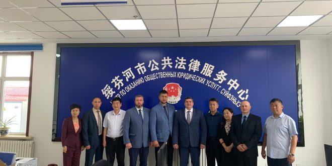 16 июля 2019 года представители Приморского краевого отделения «ОПОРЫ РОССИИ» провели рабочую встречу в Управлении Минюста провинции Хэйлундзянь, городе Суйфеньхэ (КНР).